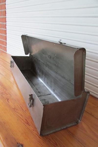 boite a outil metallique deco industrielle loft vue ouverte