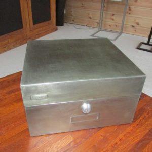 boite metalique decoration industrielle loft vue de dessus
