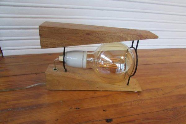 luminaire decoration creation crea broc and co bois et metal vue cote droit