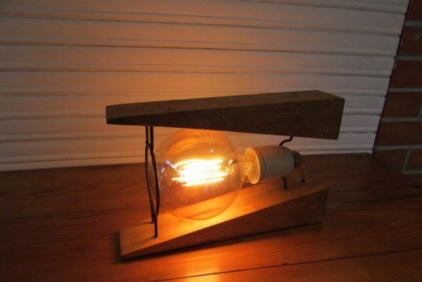 luminaire decoration creation crea broc and co bois et metal vue cote allume