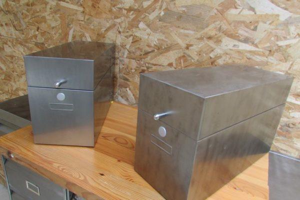boites metalliques rectangulaires poncées polies vernies vue d'ensemble