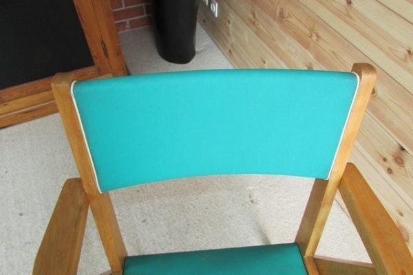 auteuil annees 50 bois et vinyle vert vue de detail du dossier