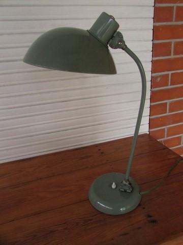lampe de bureau annees 60 double articulation vue eteinte